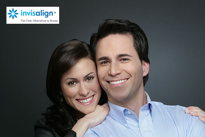 Couple-wearing-Invisalign